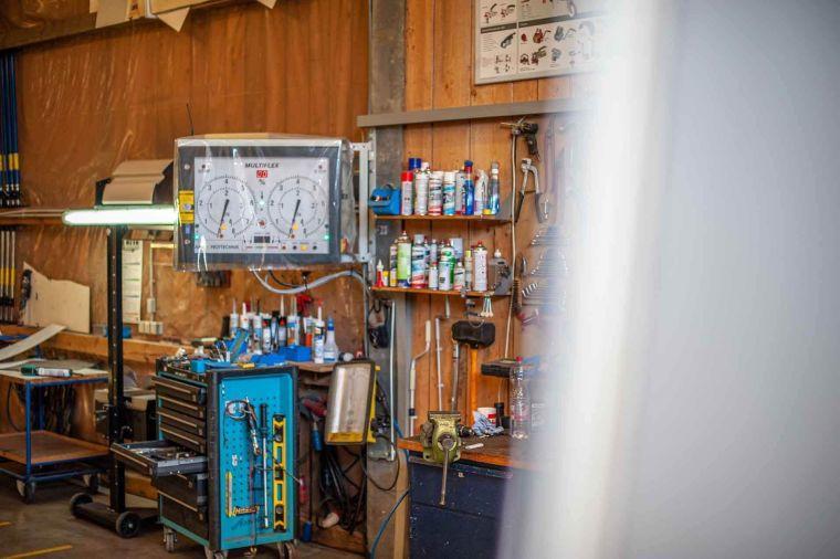 Anzeigetafel des Bremsenprüfstands in der Werkstatt - Caravan Service Stehmeier - Wohnmobil Wohnwagen Service Werkstatt